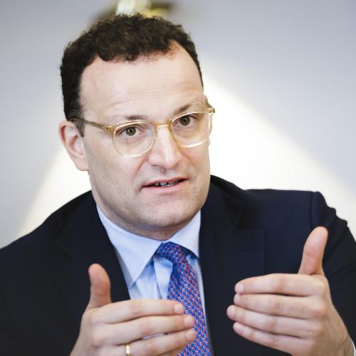 Politik | Bundesgesundheitsminister Spahn lud Verbände zur Videokonferenz